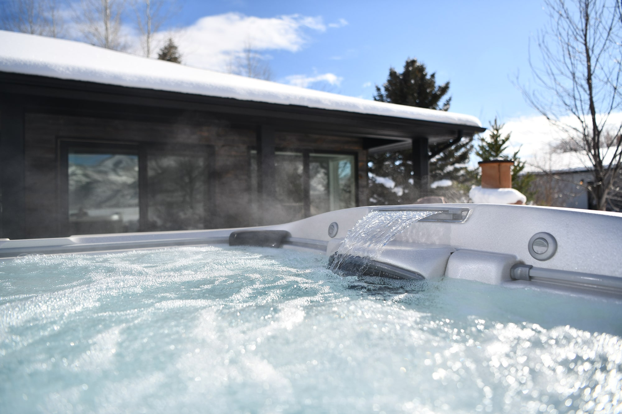 Jacuzzi Hot Tub install in Ontario winter