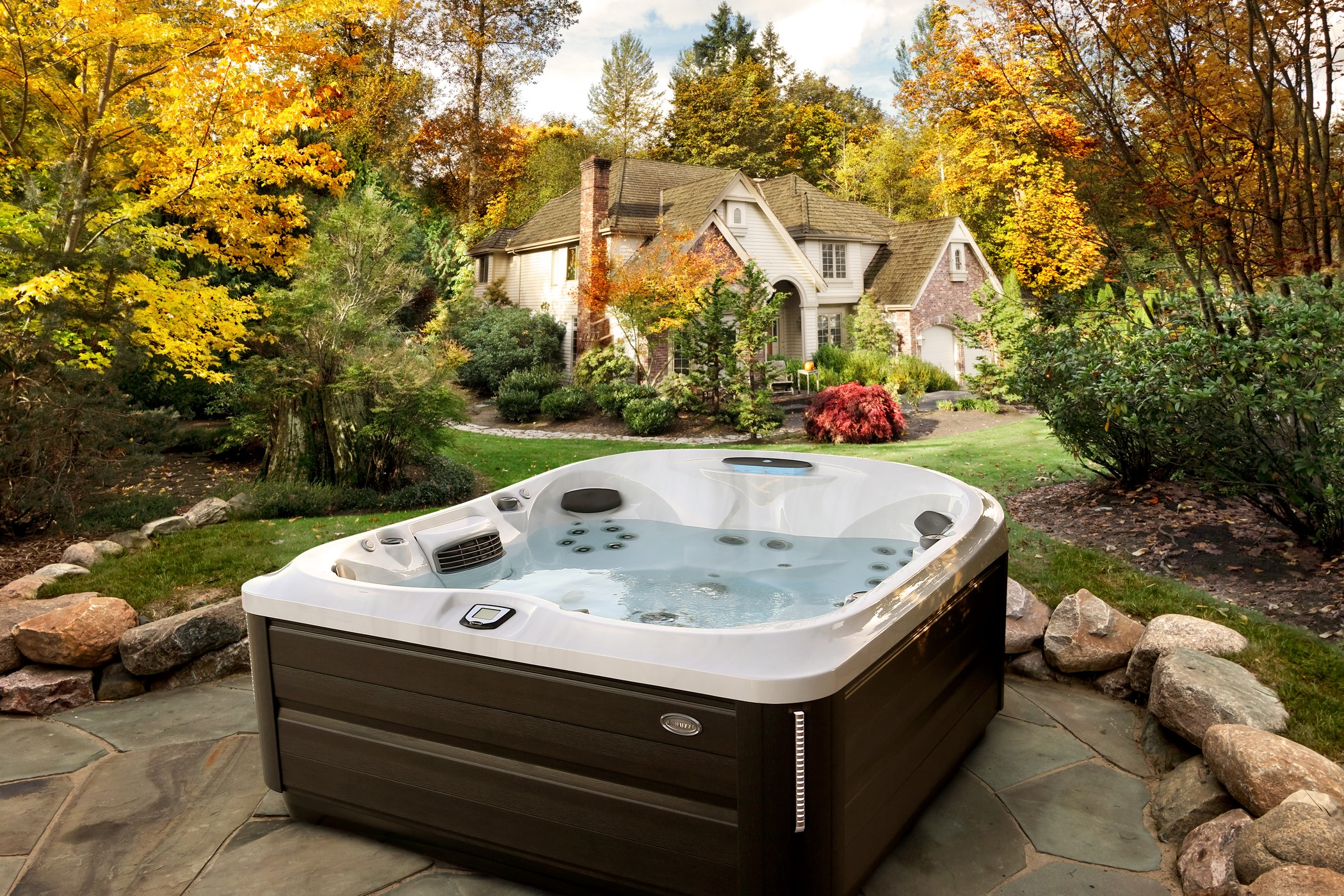 Jacuzzi Ontario fall spa hot tub