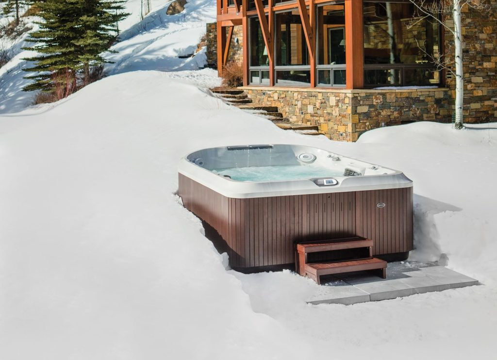 hot tub use winter