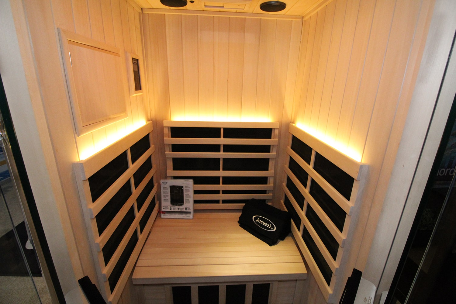 Jacuzzi Barrie Sauna Showroom