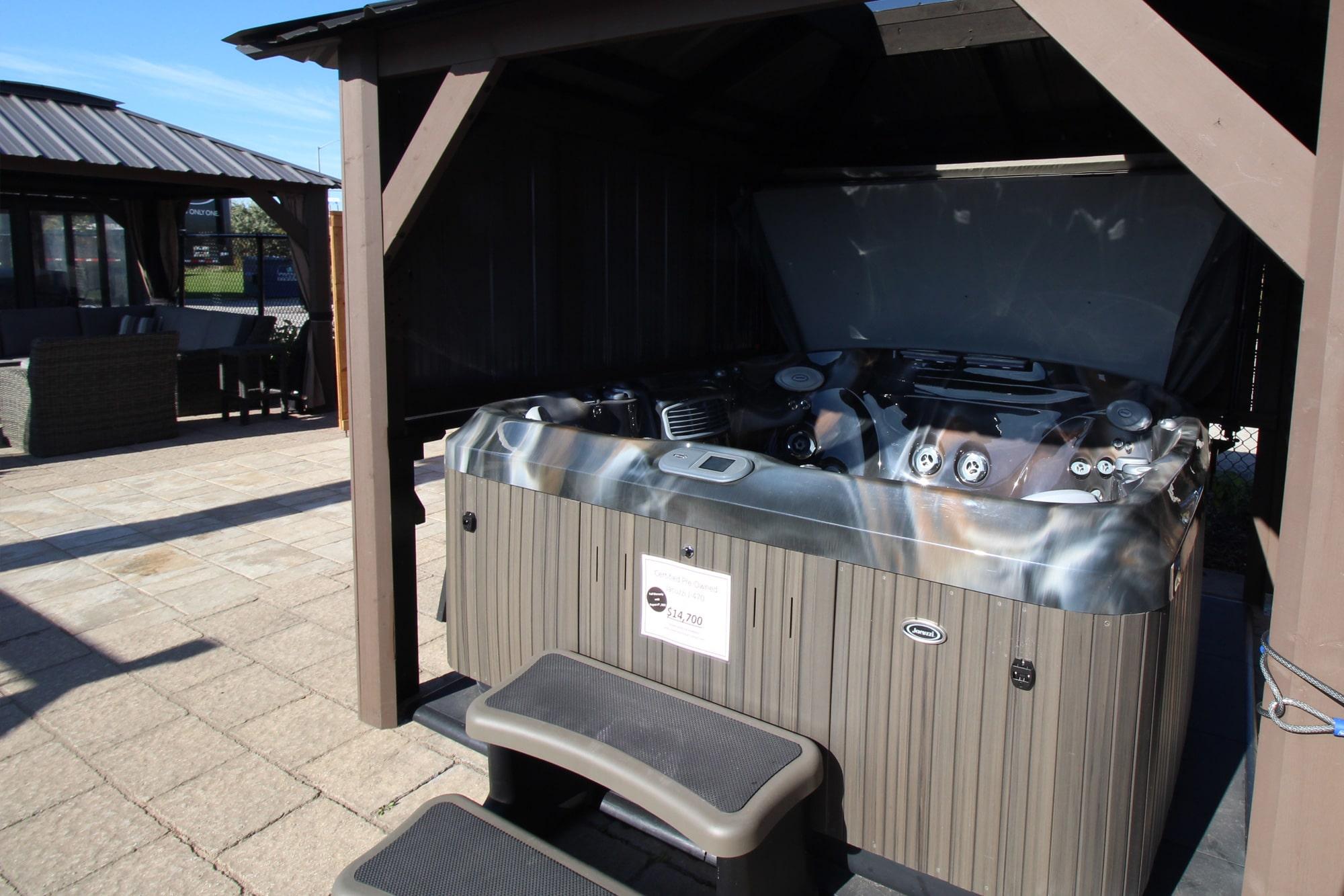 Jacuzzi Burlington Outdoor Showroom Hot tub in Gazebo