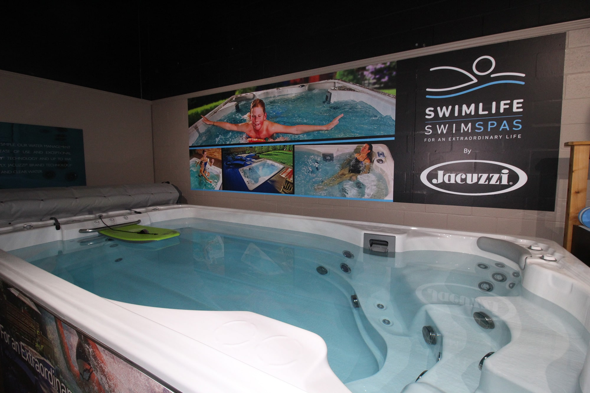Jacuzzi Kitchener All Season Pool Swim Spa