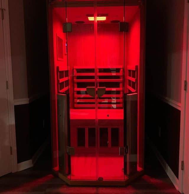 Jacuzzi-Sanctuary-Infrared-Sauna-Red