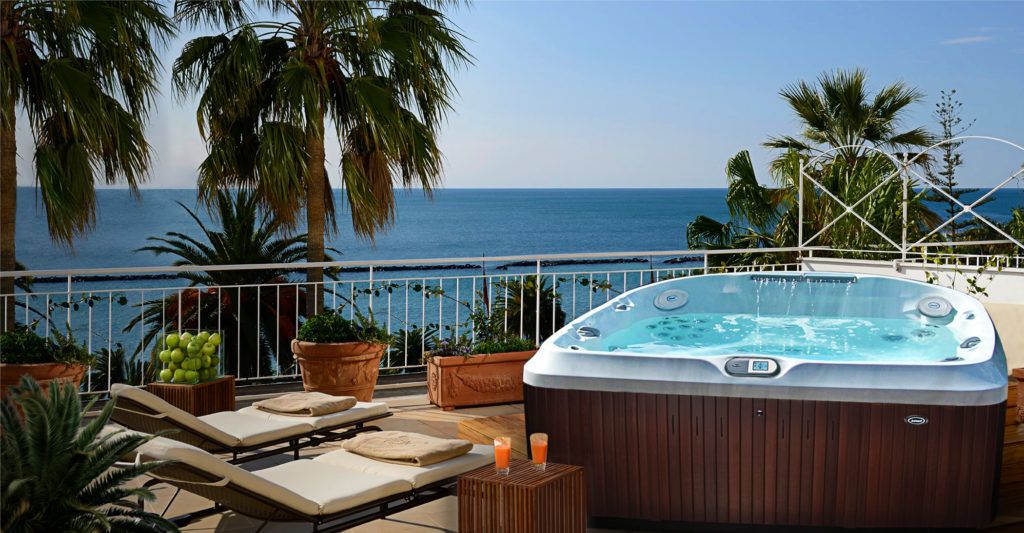 Jacuzzi Hot Tub installed in a tropical location