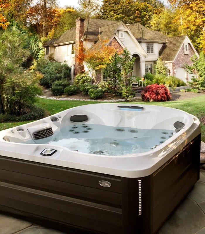 J-485 Jacuzzi Hot Tub Installation in Ontario